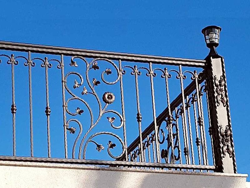 kovane ograde na balkone i terase_bravar_mont