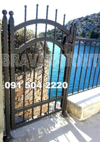 Bravar-Mont-075 kovane pjesacke kapije vrata
