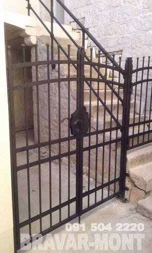 Bravar-Mont-076 kovane pjesacke kapije vrata