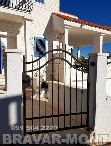 Bravar-Mont-079 kovane pjesacke kapije vrata