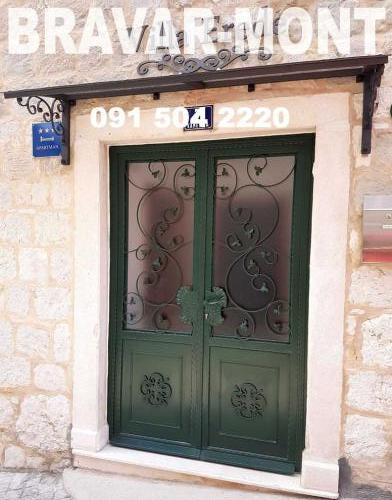 Bravar-Mont-096 kovane pjesacke kapije vrata