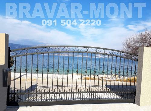 Bravar-Mont-010 kovane velike kapije