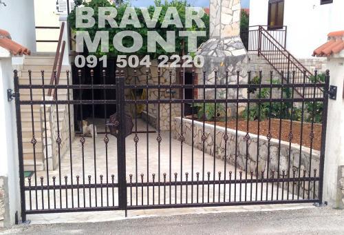 Bravar-Mont-023 kovane velike kapije