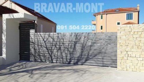 Bravar-Mont-426 moderne kapije i ograde