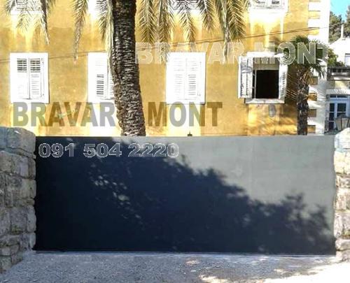 Bravar-Mont-440 moderne kapije i ograde